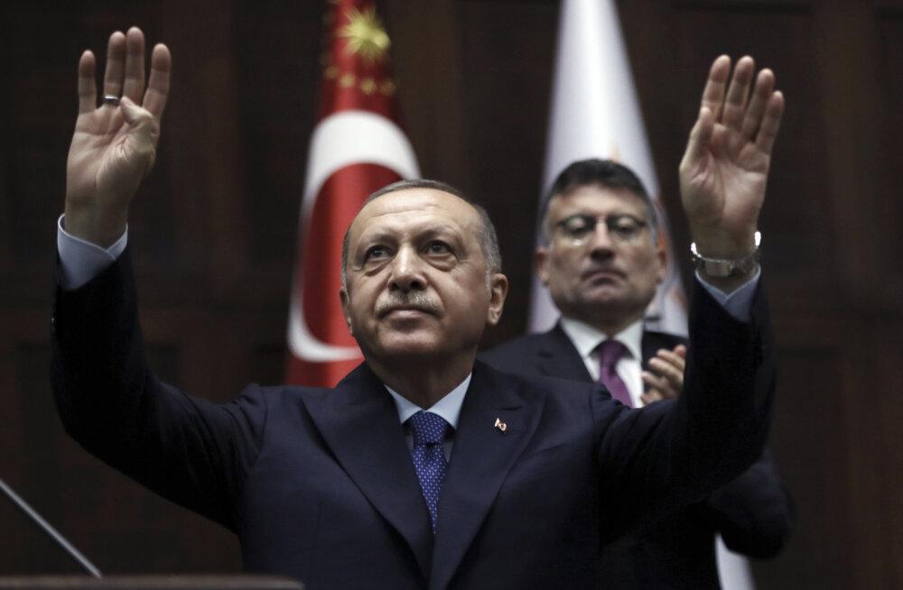 BBC: Erdoğan viskas Trumpi kirja prügikasti