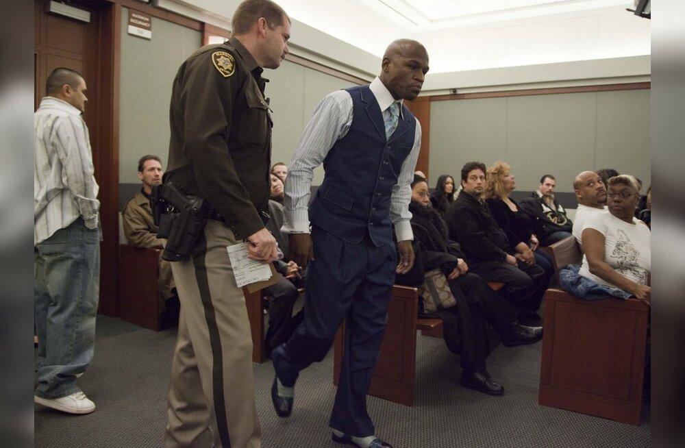 Uus Tyson? Profipoksi maailmameister võib 34 aastaks vangi minna