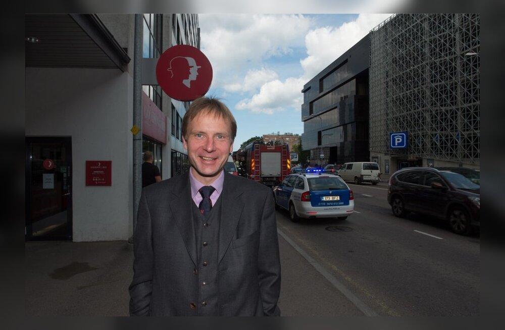 Eerik-Niiles Kross on Tallinnas sisse kirjutatud oma lapsepõlvekoju