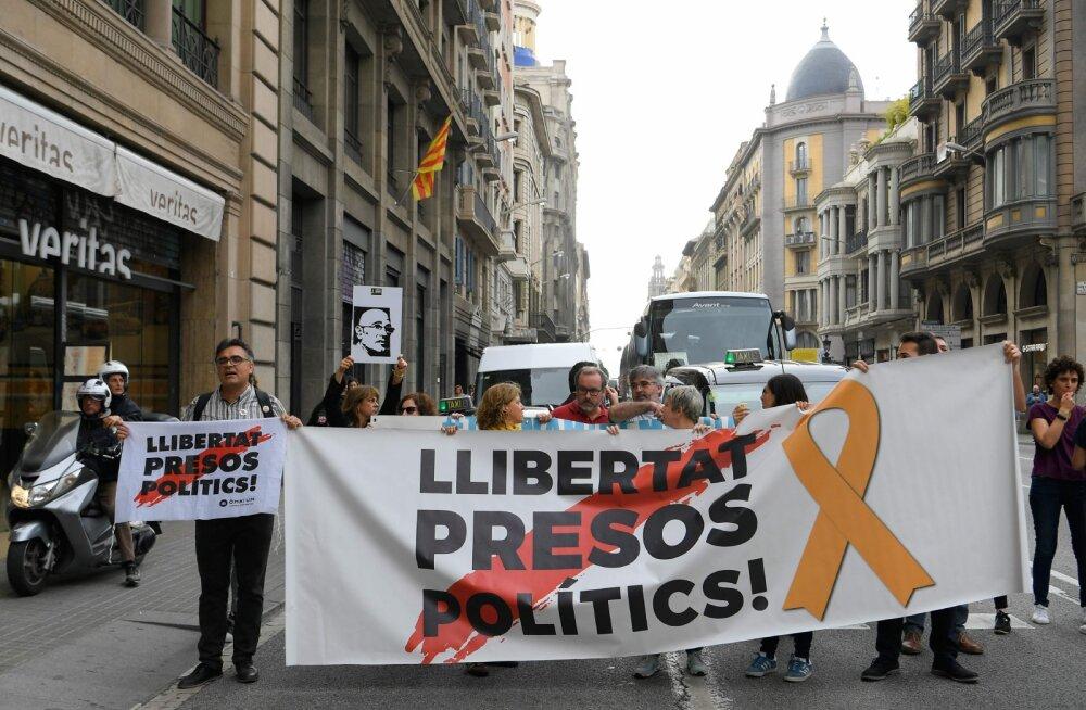 Kataloonia iseseisvuslaste juhid mõisteti kuni 13 aastaks vangi