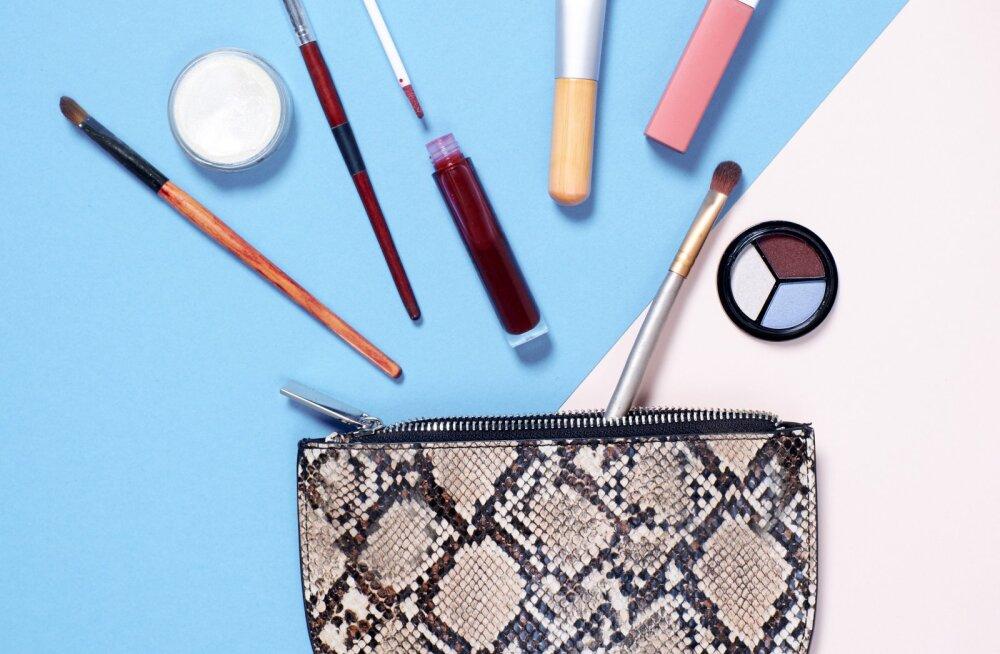 Как провести весеннюю генеральную уборку в косметичке: советы бьюти-эксперта