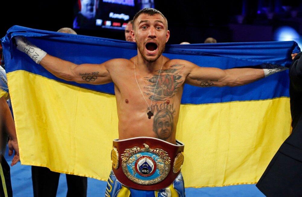 ВИДЕО: Ломаченко побывал в нокдауне, но победил нокаутом