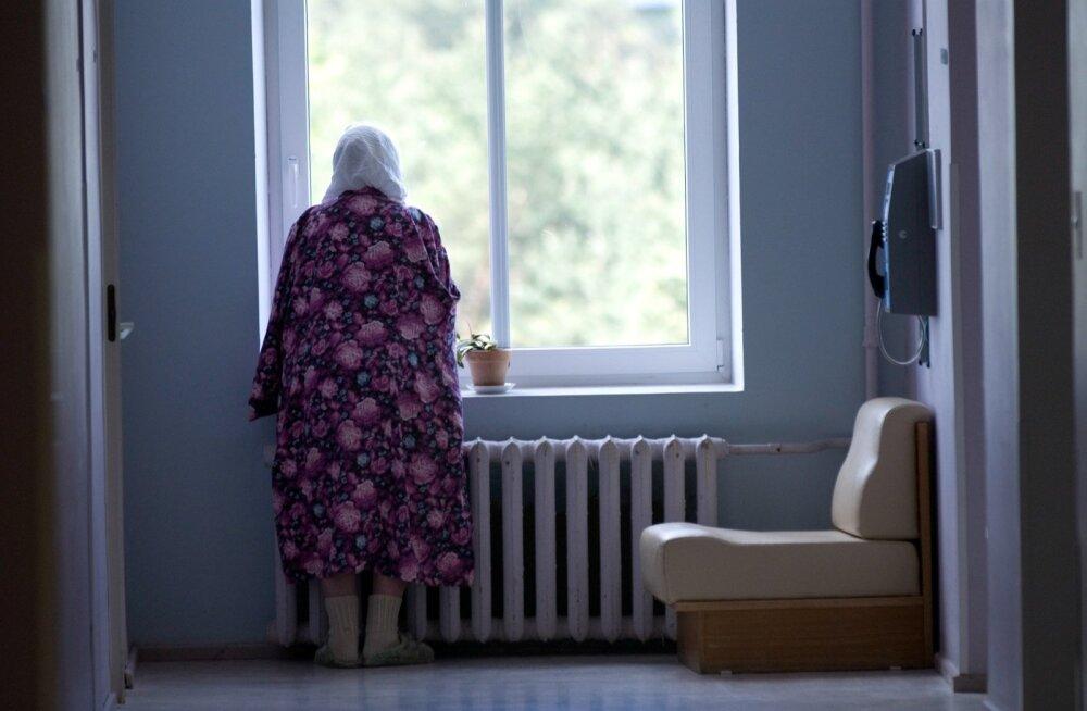 Õiguskantsler: erihooldekodudes ja haiglates ei pruugi inimväärikus tagatud olla