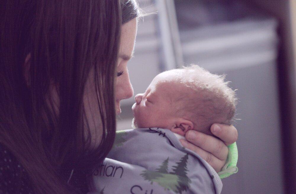 Emad meenutavad esimesi mõtteid ja tundeid hetkest, mil nad said esimest korda emaks ja nii mõnegi jaoks oli see hirmutav