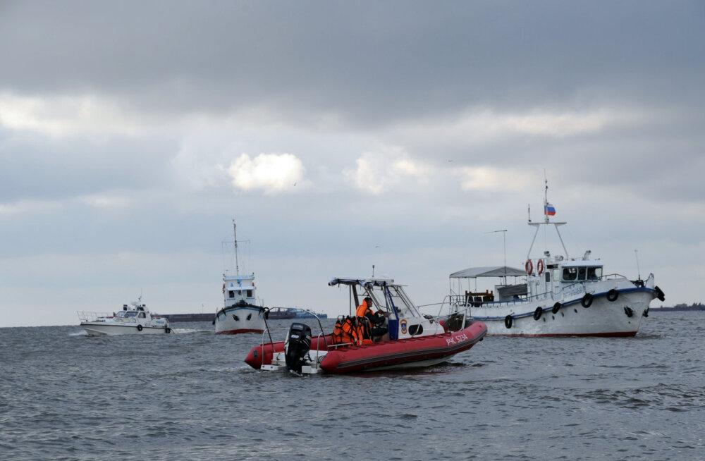Soome lahel läks põhja mootorpaat: kaheksa inimest pääses, üks jäi aga kadunuks