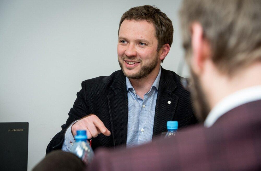 Ministrite online-intervjuu