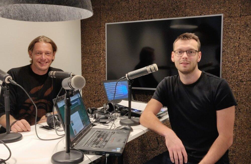 Rivo Vesik ja Karl Rinaldo Matna maja stuudios.