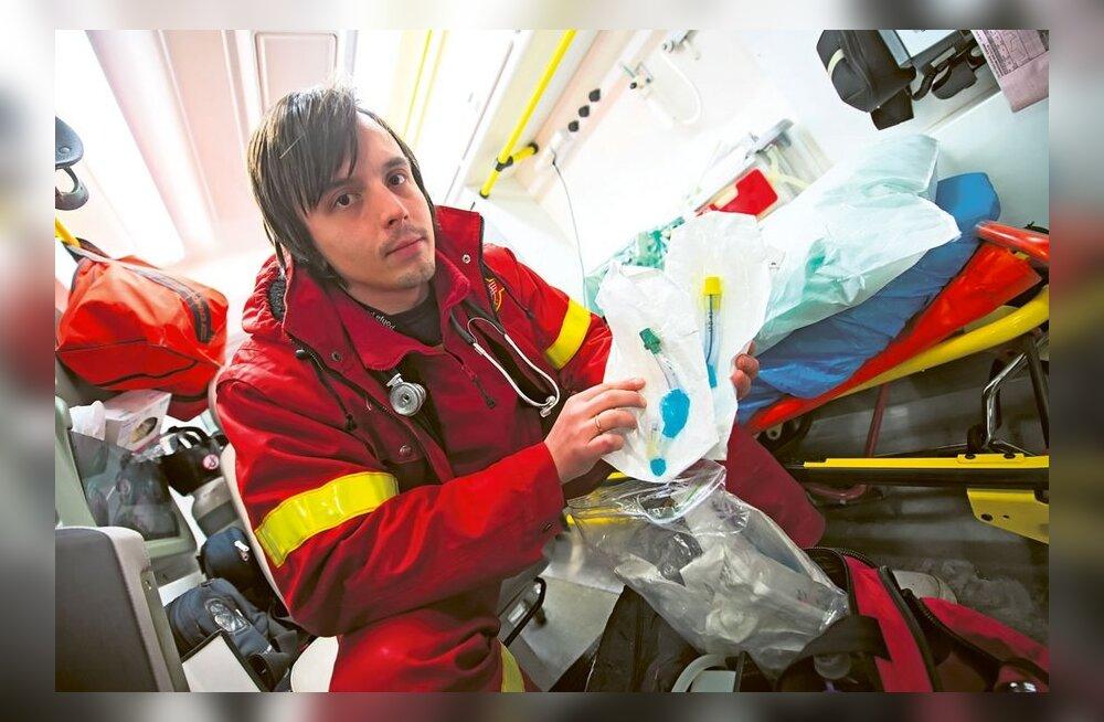 В бригадах скорой помощи могут остаться только медсестры