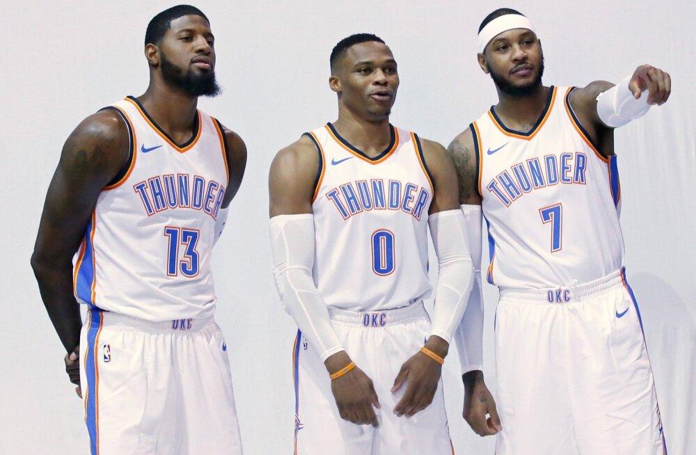 Oklahoma City Thunderi staarid Paul George (vasakult), Russell Westbrook ja Carmelo Anthony.
