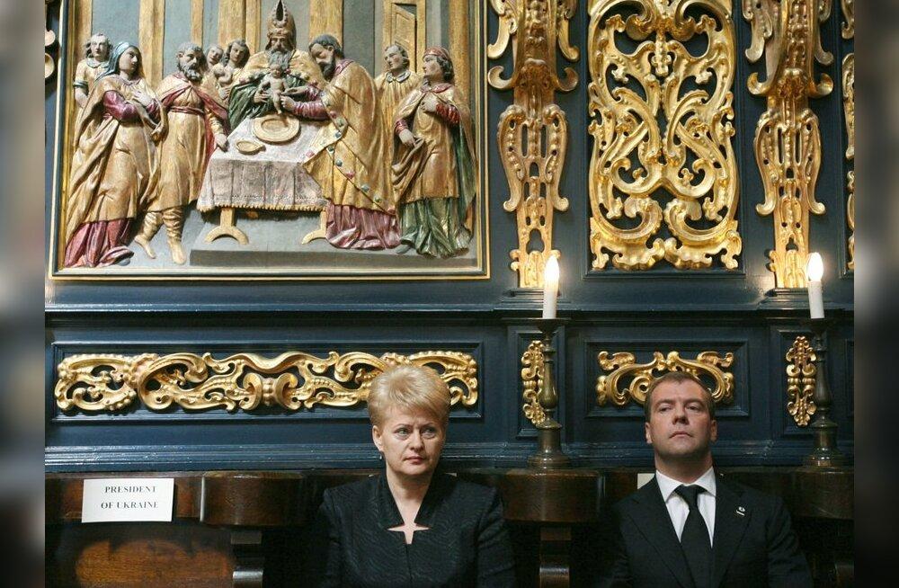Grybauskaitė õnnitles Medvedevit Vene iseseisvuspäeva puhul