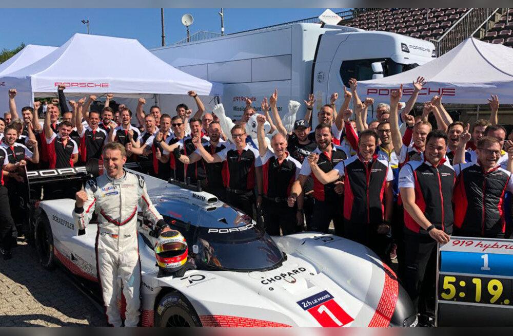 Tehtud: Timo Bernhard purustas täna hommikul 35 aastat püsinud kuulsa Nürburgringi Nordschleife rajarekordi