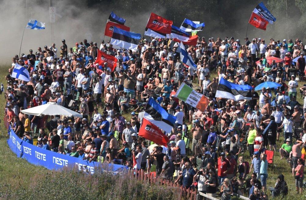Meenutus möödunud aastast. Metsikult rahvast ja palju Eesti lippe