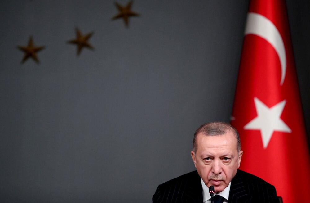 Эрдоган посоветовал Макрону лечить психику, Франция отозвала посла из Анкары
