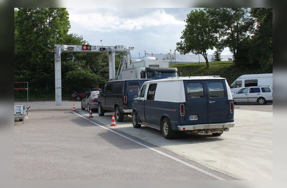 Jürgen Ligi: umbes tuhat autot veab aastas ligi 12 miljonit liitrit kütust üle piiri