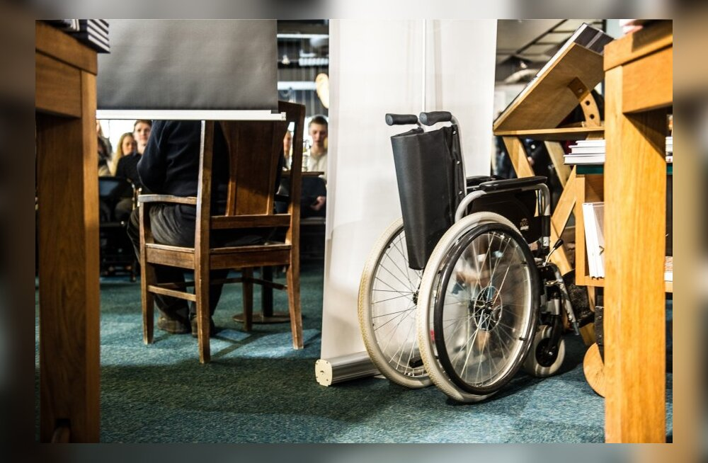 Minister Tsahkna: puuetega laste vanemad saavad soodushinna erimenetlusega