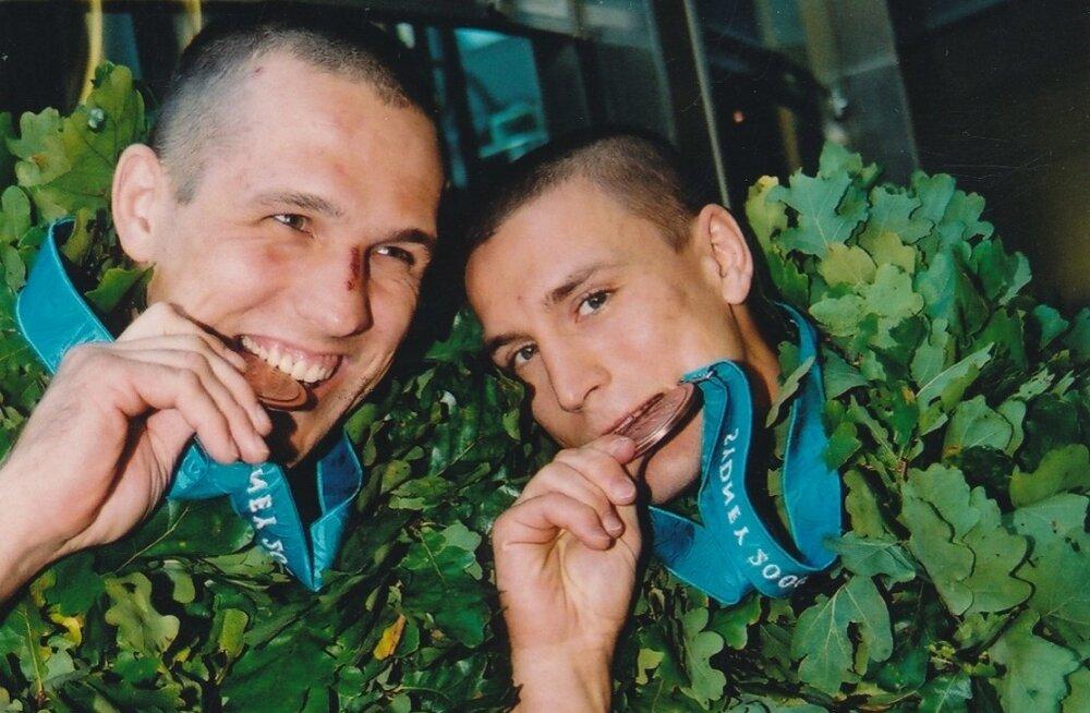 Indrek Pertelson (vasakul) ja Aleksei Budõlin on võitnud kahepeale 17 tiitlivõistluste medalit, kuid ei ainsatki aasta sportlase tiitlit.