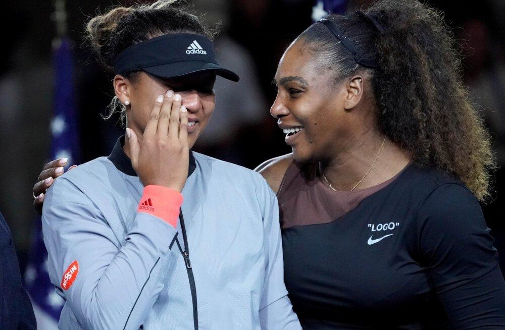Naomi Osaka (vasakul) ja Serena Williams finaali järel.