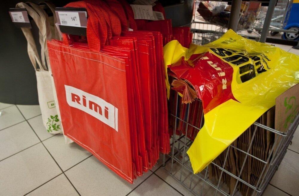 В Rimi оценят, как платные пакетики влияют на продажи. Подорожавшие большие пакеты покупать перестали