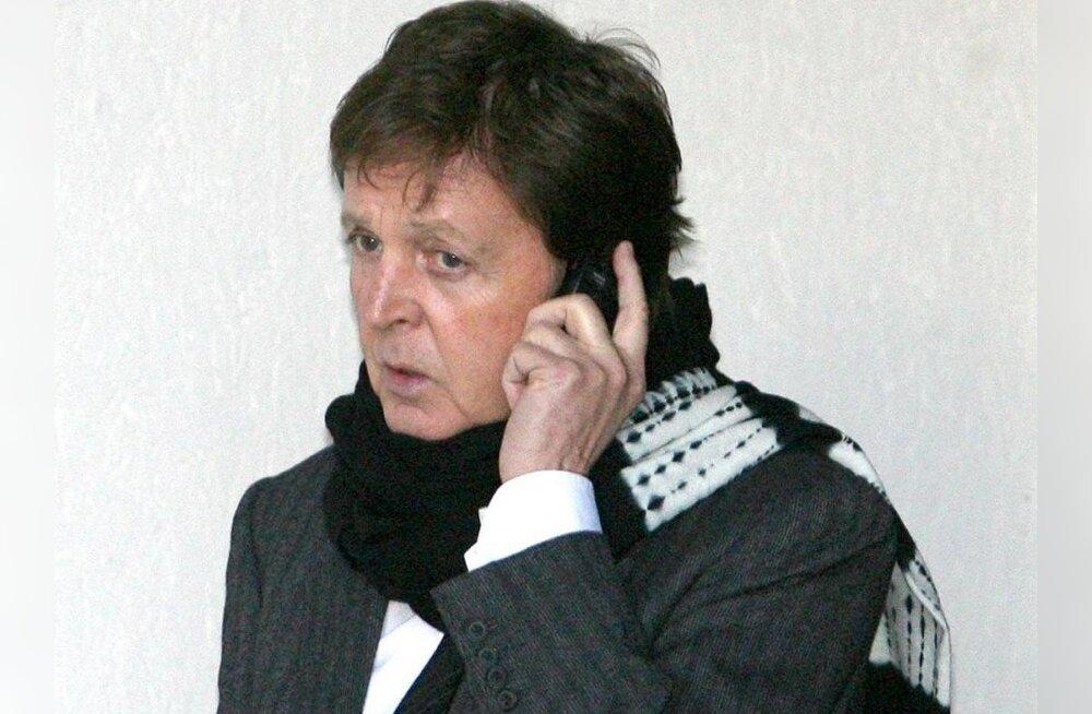 Sir Paul McCartney pöördub telefoni häkkimise asjus politseisse