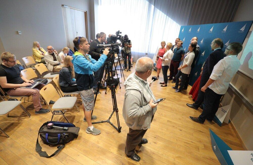 Erakonnaks pürgiv Eesti 200 peab andma vastuse reale seni vastamata küsimustele