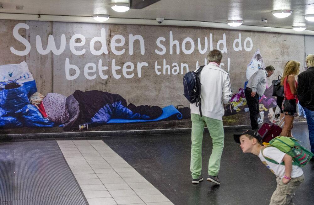 Teel sularahata ühiskonda. Rootsis on ka kodututel makseterminalid