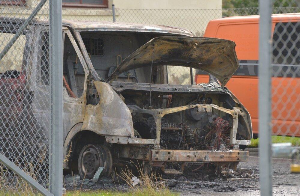 Põlenud Ford Transit Viljandis