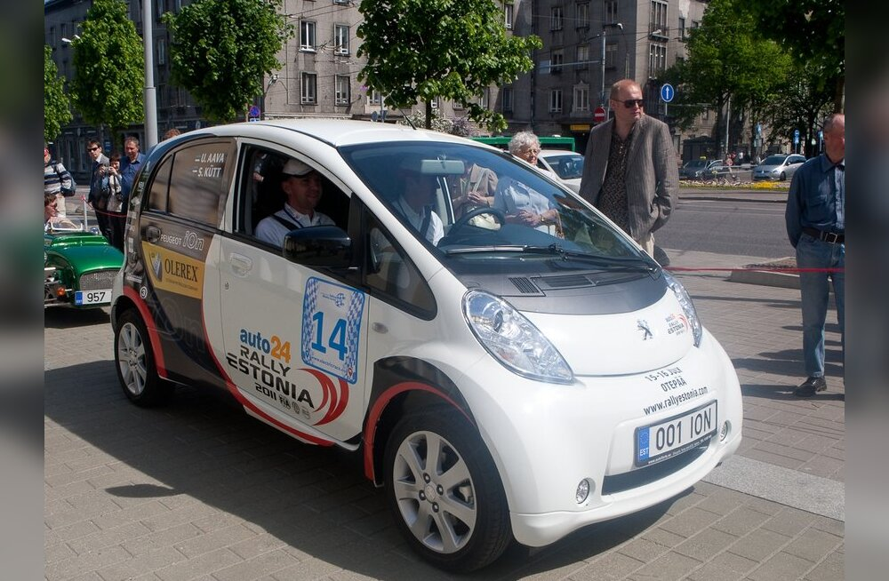 Urmo Aava ekipaaž Tallinn - Monte Carlo elektriautode ralli avaetapil.