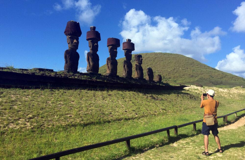 На острове Пасхи разрушаются знаменитые статуи
