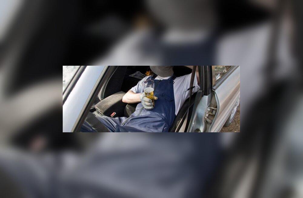Tõhus maksumaksja suitsetab, joob ja sureb noorelt