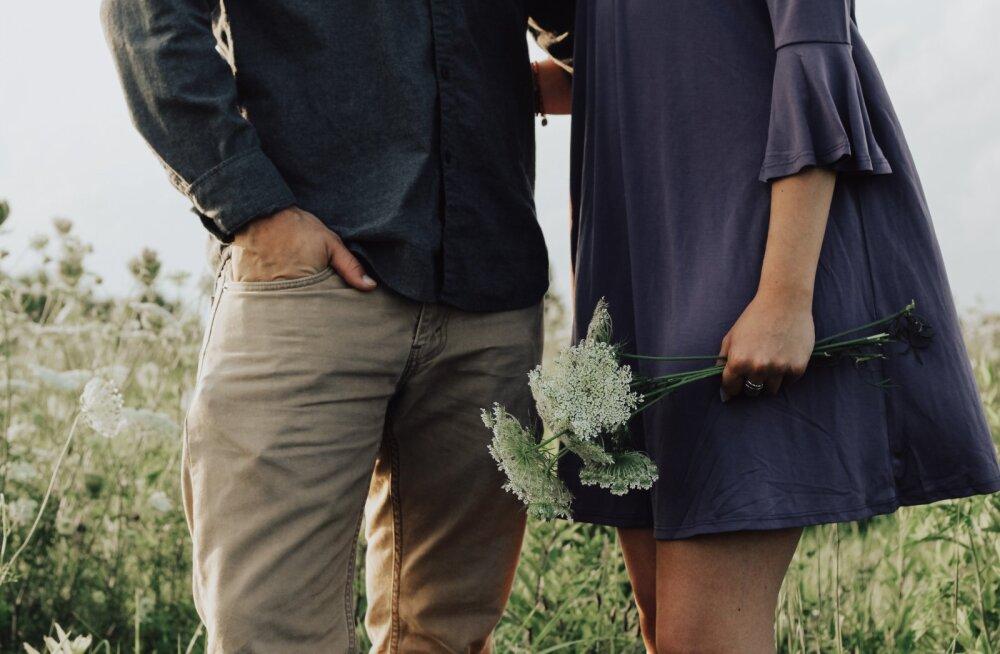 Lugeja kahe inimese vahelisest armastusest: vahel ei mängi aeg rolli. Oluline on tunded ja kui tunne on õige, siis ei olegi vaja aastaid oodata