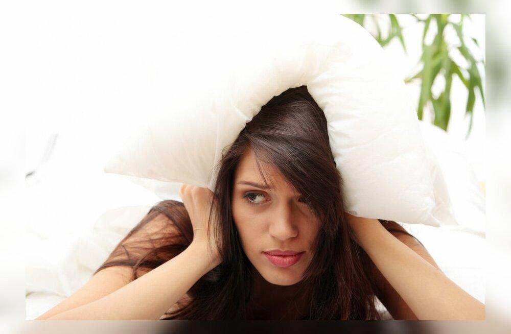 Rahamured hoiavad kolmandiku meist öösiti ärkvel