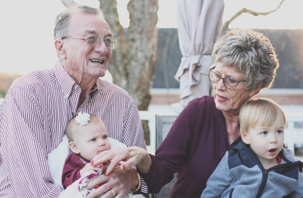 5 причин привлечь бабушку и дедушку к воспитанию внуков