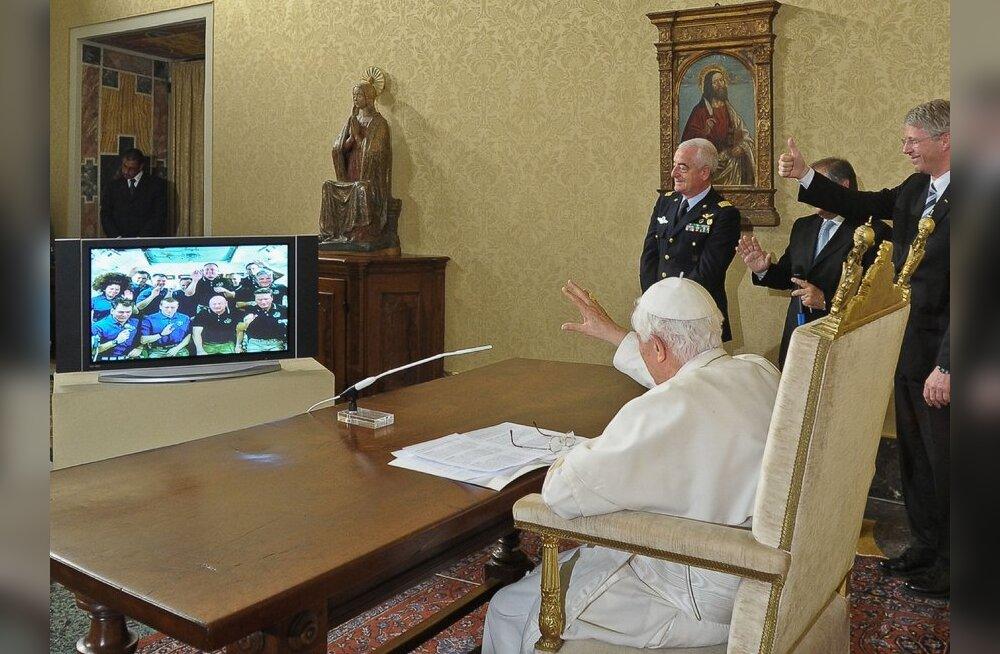 VIDEO: Rooma paavst suhtles esmakordselt kosmosega