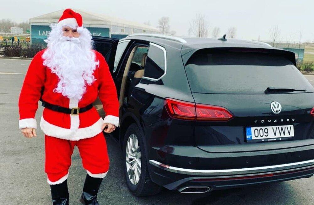 FOTOD   Eesti spordistaaride pühadetervitused. Kellel käis jõuluvana, kes mängis jõuluvana?