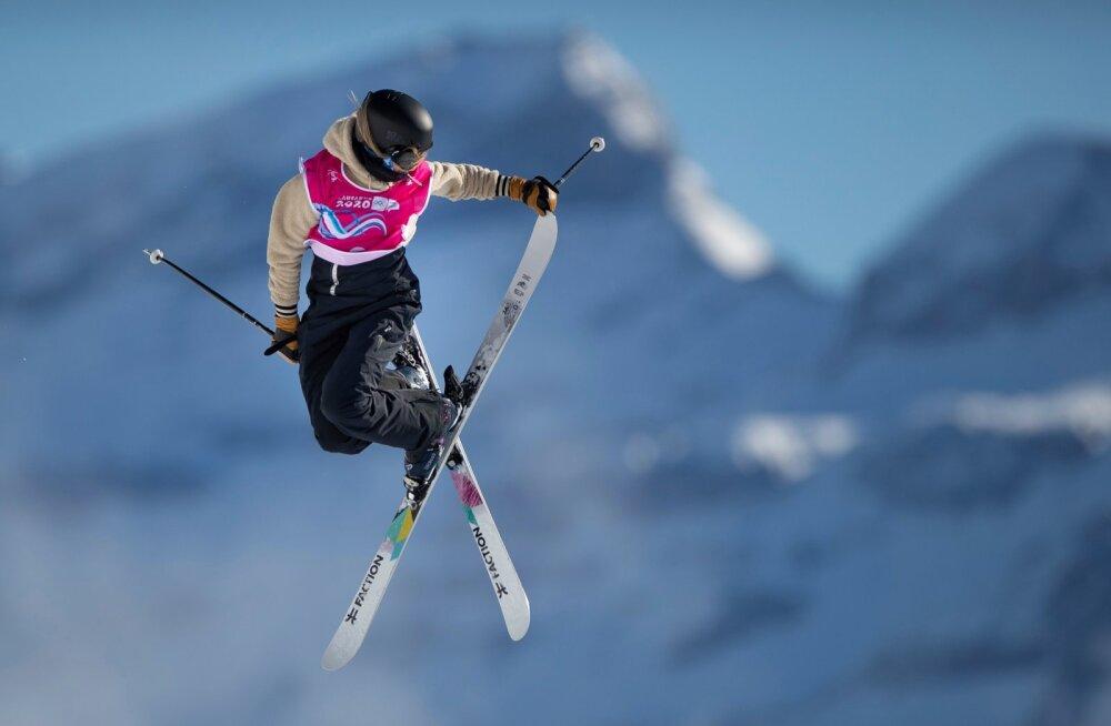 Kelly Sildaru lendas Lausanne'is küll kõrgelt, kuid tavapärasest siiski kahvatumalt.