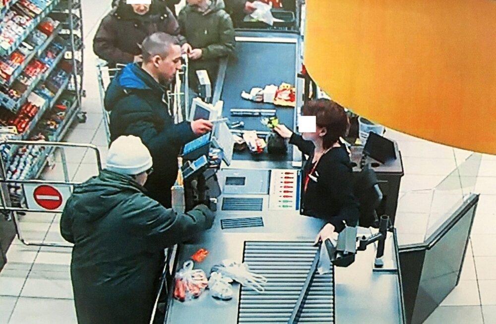 """Невероятная наглость: мошенники обналичивали в магазинах Maxima поддельные чеки за тару и неплохо """"наварились"""""""