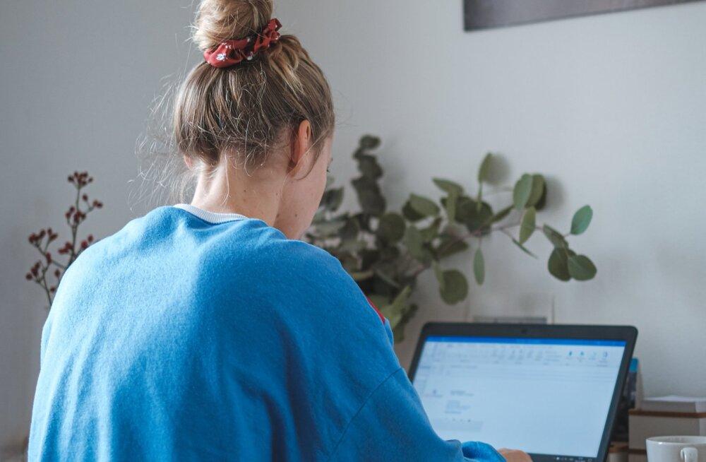 Töötad ikka veel kodukontoris? Need on 6 halba harjumust, mis end sulle külge võivad pookida ja millest on hiljem raske vabaneda