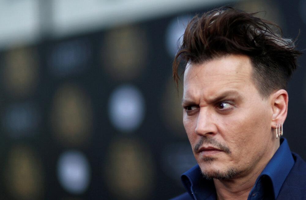 Lahutussaaga jätkub: Raevuhoos Johnny Depp lõikas kogemata endalt veerand näppu maha
