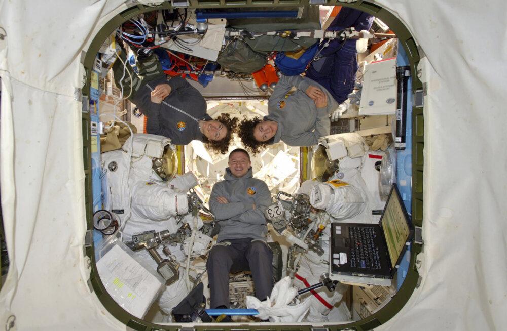 ФОТО и ВИДЕО: Впервые в истории! Две женщины вышли в открытый космос