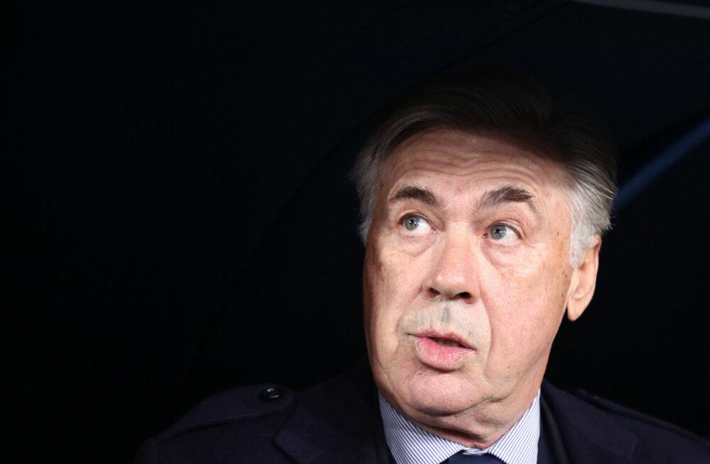 Itaalia tippklubi vallandas loetud tunnid pärast kaheksandikfinaali jõudmist peatreeneri