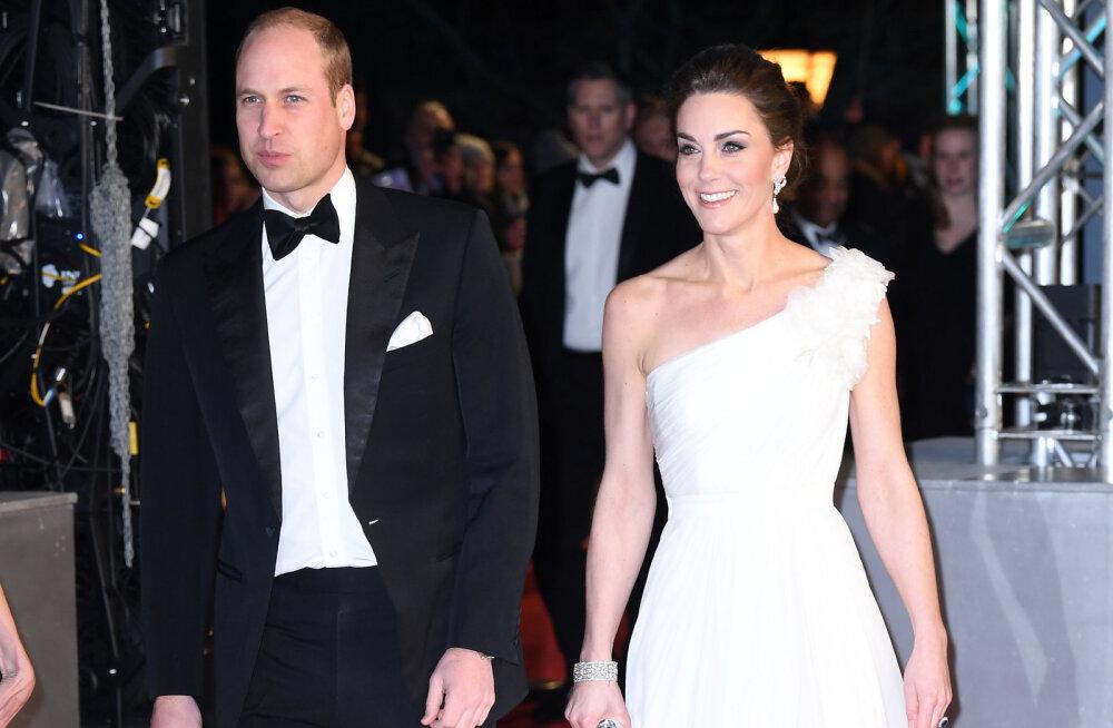 FOTOD: Cambridge'i hertsoginna tõi auhinnagalale glamuuri Alexander McQueeni kleidis ja kuninglikes ehetes