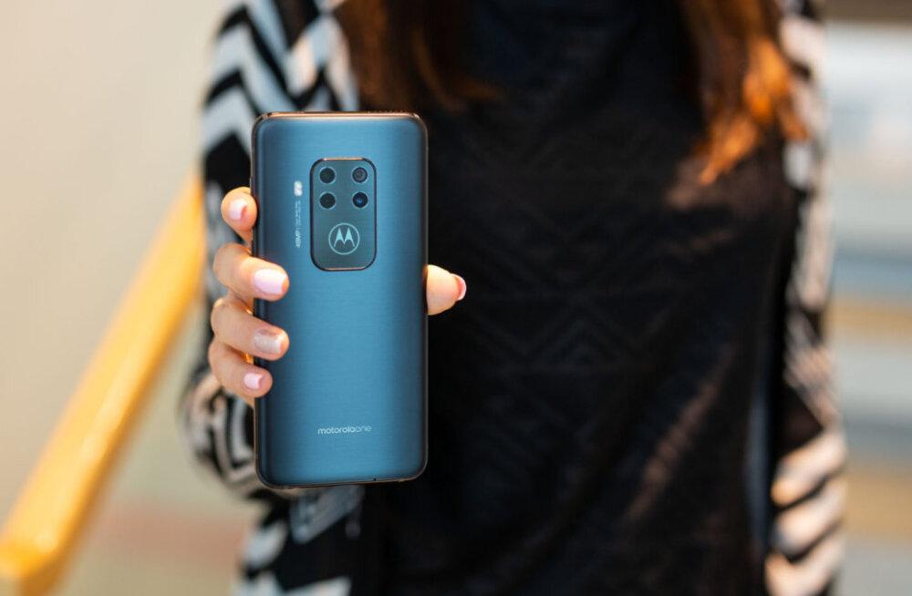 TEST | Nelja kaameraga nutitelefon Motorola One Zoom – keskklass, kuid mitte keskpärane