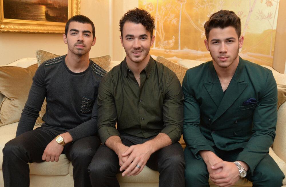 Fännid, hulluge! Jonas Brothers plaanib taasühinemist!