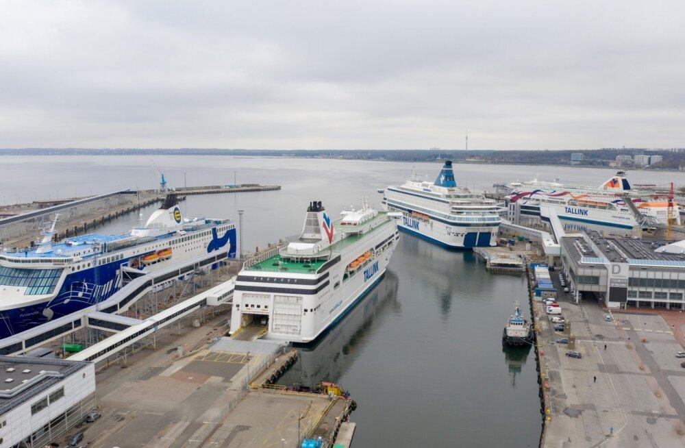 Mingi hetk valitses Tallinna vanasadamas väga kurb vaatepilt, kui suur osa Tallinki laevadest oli sunnitud kai ääres oma aega ootama.