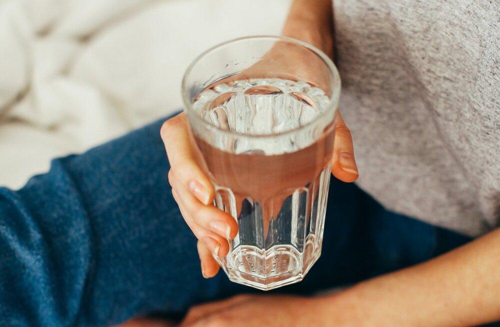Ära unusta vee olulisust! Need sümptomid su kehas viitavad sellele, et sa jood liiga vähe vett