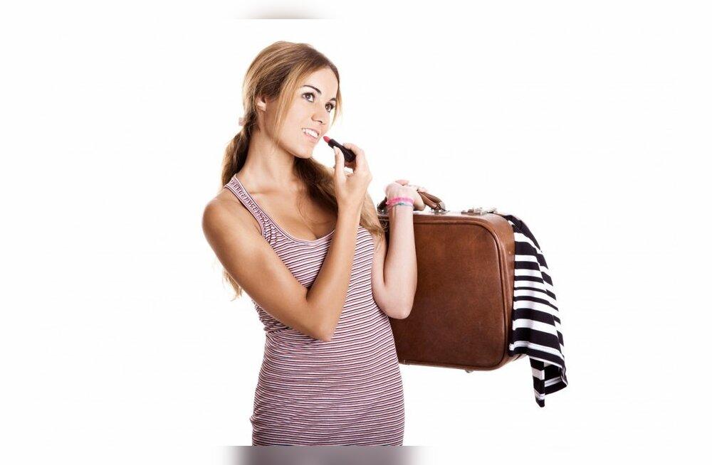 Собираем чемоданы: варианты модного гардероба для путешествий