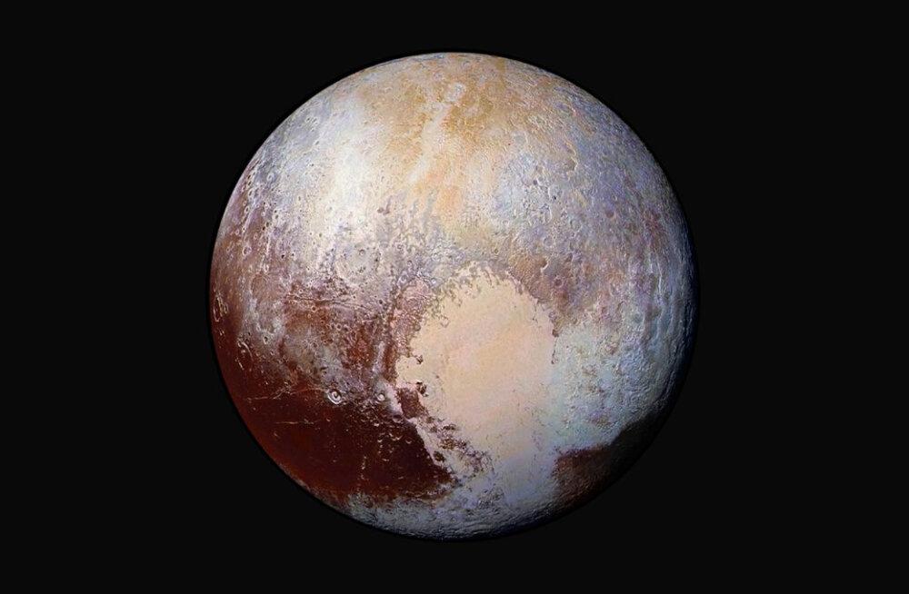 Uus hüpotees: Pluuto võib koosneda kuni miljardist komeedist