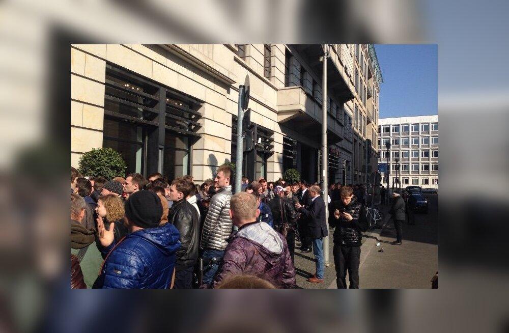 Apple Watchi müügiletulek Berliinis tõi tänavatele järjekorrad