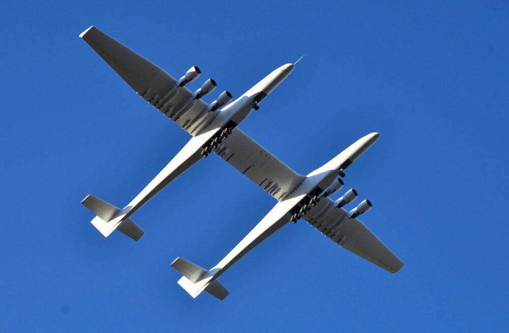 VÕIMAS VAATEPILT   Maailma kõige suurem lennuk sooritas oma esimese õhulennu!