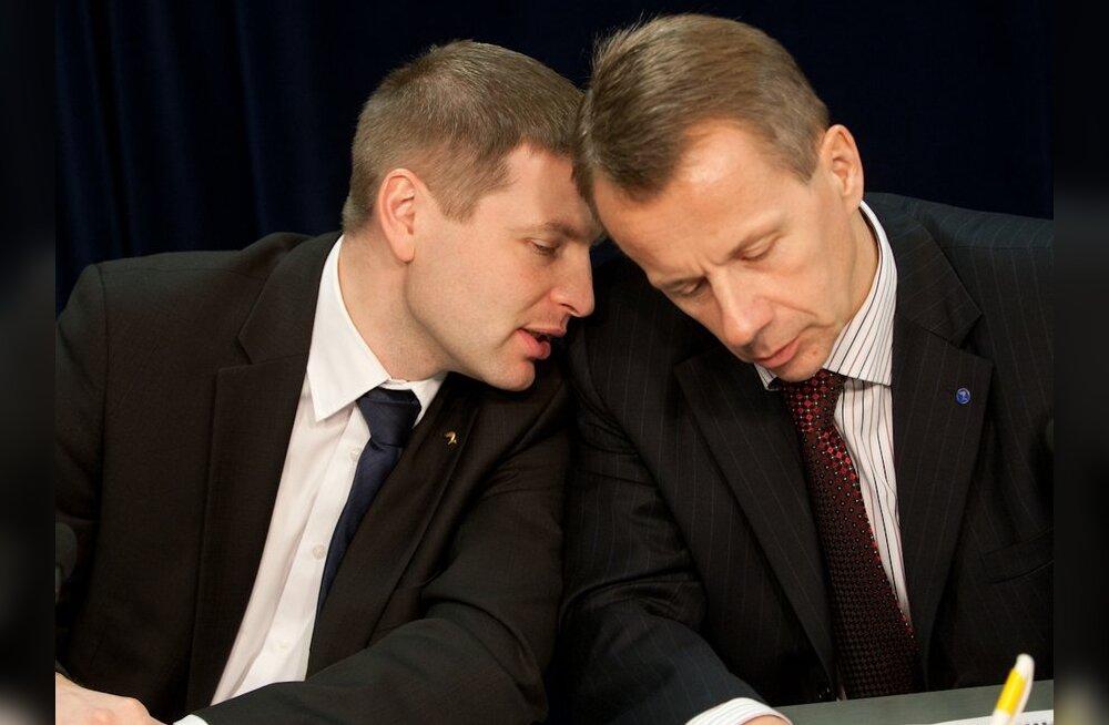 Ministrid teenisid Eesti Energia juhatuse liikmeist kaks korda vähem
